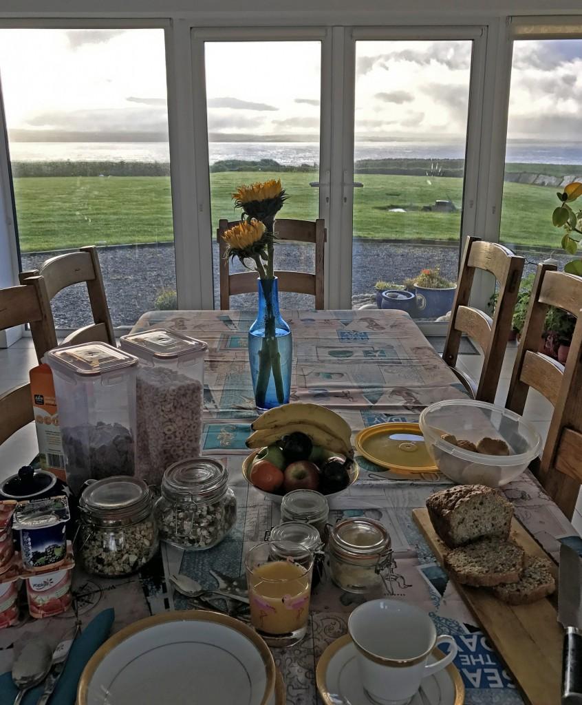 raňajky na moherských útesoch